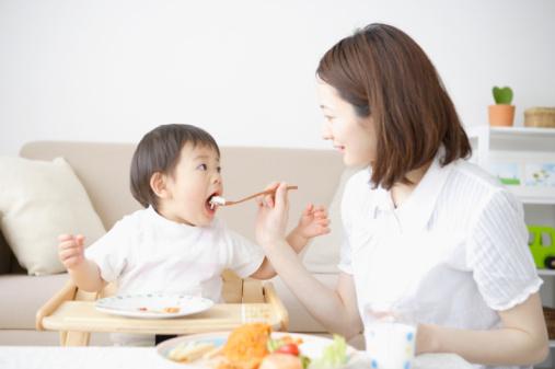 Chế độ dinh dưỡng cho trẻ còi xương